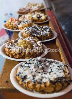 Desery z kruchego ciasta i owoców. Odrobina cukru jeszcze nikomu nie zaszkodziła. #deser #InteractiveStock #wypieki #słodkość