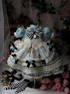 アリス服 Disney Animator Doll, Disney Dolls, Doll Wigs, Ooak Dolls, Disney Animators Collection Dolls, Wig Making, Cute Dolls, Doll Clothes, Alice
