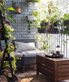 Relaxen in eigen tuin | IKEA IKEAnl IKEAnederland inspiratie wooninspiratie interieur wooninterieur planten balkon lounge zon