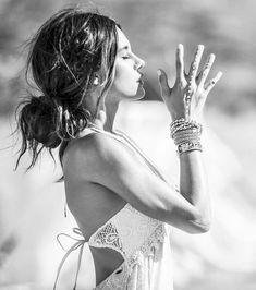 yoga for hair - hair yoga . yoga for hair growth . yoga for hair . yoga poses for hair growth . yoga for hair loss Yoga Shorts, Yoga Inspiration, Pilates, Esprit Yoga, Photo Yoga, Foto Glamour, Yoga Training, Estilo Hippie, Sup Yoga
