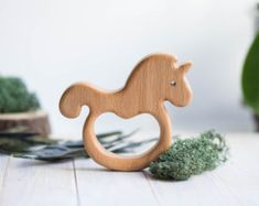 Sonaja de madera orgánica. Juguete Sonajero madera por tinyfoxhole