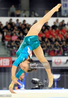Olympic Gymnastics, Artistic Gymnastics, Gymnastics Girls, Rhythmic Gymnastics, Gymnastics Posters, Dancer Photography, Gymnastics Photography, Gymnastics Pictures, Female Gymnast