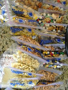Packing Snacks ahead of time...for grab & go...nifty and one of those things, how come I never thought of this???????
