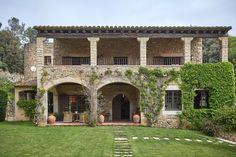 Tuscan style – Mediterranean Home Decor Mediterranean Homes Exterior, Mediterranean Home Decor, Tuscan Style Homes, Tuscan House, Tuscan Style Decorating, Home Design Floor Plans, Villa, New House Plans, Future House