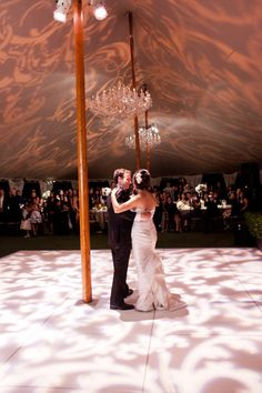 gobo lighting on floor and ceiling i adore this! maybe something with our name/wedding date...