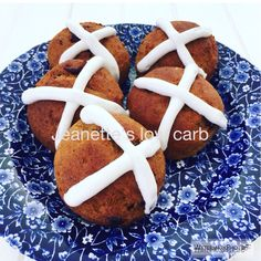 HOT CROSS BUNS: This yields 6 LARGE buns, or 12 SMALLER buns. I MADE SMALL ONES…. DRY INGREDIENTS: 1+1/2 cups almond flour – 150g 4 tablespoons – 1/4 cup psyllium husk powder. Use…