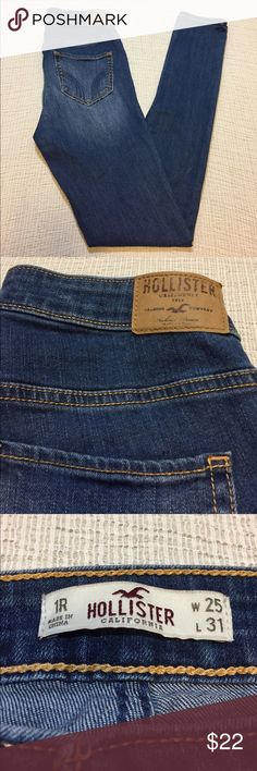 "Hollister whiskered skinny jeans These are in excellent condition!! Whiskered, with 2 cute pockets in the front, and 2 on the back. There are NO belt loops, and no fraying.   Approximate measurements: Inseam - 31"" Rise - 10"" Across the top - 13 1/4""  J1047 Hollister Jeans Skinny"