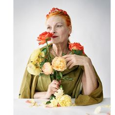 """@carrieandthe_city on Instagram: """"🌞 - - #Ispirazione #fashion #fashionstyle #timwalkerphotography #viviennewestwood"""" Tim Walker Photography, Portrait Photography, Curvy Women Fashion, Womens Fashion, Dress With Shawl, The Vivienne, Punk, Gold Labels, What Is Tumblr"""