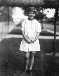 Nancy (Davis) Reagan, 1929, Lincoln Park, Chicago. The former First Lady's family moved to Chicago in 1929, living mostly in different areas of Lincoln Park. Nancy would graduate from Latin in 1939, after which she would leave to go to college, then later start her film career.      Also, it was in the news this week that Ronald Reagan's childhood home in Hyde Park (which I've posted about in the past) is set to be demolished to make way for, ironically, Barack Obama's Presidential Library.
