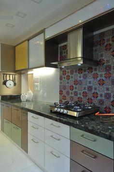 Large Kitchen by Sonali Shah, Architect in Mumbai,Maharashtra, India