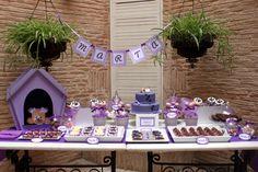 Mesa dulce con temática de perritos e morado para comunión de niña - Puppy-themed purple sweet table for a girl party