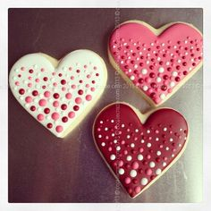 Decorated Valentine Cookies | Cookie Decorating Inspiration / CookieCrazie: Valentine's Heart Dots