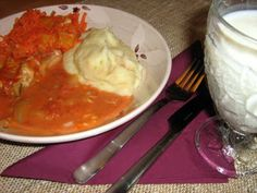 Tomaattinen uunisei Mashed Potatoes, Ethnic Recipes, Food, Whipped Potatoes, Smash Potatoes, Essen, Meals, Yemek, Eten