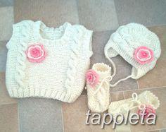 Vest hat booties 0-6 months, Set milky white from tappleta  by DaWanda.com