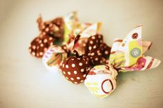 No-sew DIY cat toys with catnip!  www.mrsfrugalfranny.com