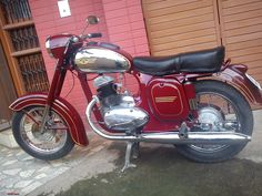 Jawa 250 Antique Motorcycles, British Motorcycles, Cars And Motorcycles, Vintage Cycles, Vintage Bikes, Vintage Ads, Motor Scooters, Motor Car, Jawa 350