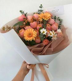 My Flower, Beautiful Flowers, Fresh Flowers, Palette Pastel, Sogetsu Ikebana, Flower Aesthetic, Planting Flowers, Floral Arrangements, Bloom