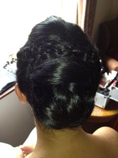 www.madeoverladies.com braid & knot wedding hair