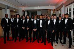 Con sus compañeros de equipo, Ezequiel Lavezzi asistió a la cena de gala realizada por la Fundación Paris Saint Germain. #PSG #LaFondation #Lavezzi