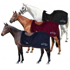 Burgundy Exercise rug for horse made ​​of waterproof fabric, with the underside in fleece for added warmth. Horse Rugs, Blankets, Exercise, Horses, Warm, Fabric, Pony, Burgundy, Fashion