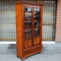 Antiker Schrank bei Pamono kaufen China Cabinet, Storage, Furniture, Home Decor, Antique Cabinets, Restoration, Wooden Crates, Shelf, Closet