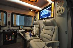Mercedes Sprinter Office | Yeni Tasarlanan Mercedes Sprinter Mobile Office 2011 Mercedes Motor, Mercedes Benz, Benz Sprinter, Mercedes Sprinter, Sprinter Conversion, Mobile Office, Rv Interior, Auto Design, Party Bus