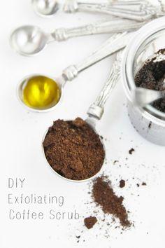 DIY Exfoliating Coffee Scrub | www.bellalimento.com