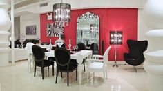 Luxurious Dining Room Furniture with Black and White Dining Chairs