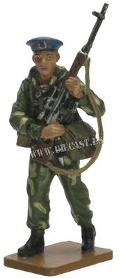Paratrooper, Soviet VDV, early 1980s, 1:30, Del Prado