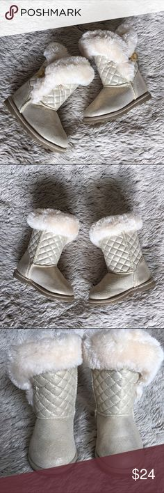 Warm Gold Boots w Faux Fur Interior and Trim-EUC Maggie and Zoe gold boots with with faux fur interior and trim.  Side glitter button closure.  Only worn twice. In excellent condition. Maggie and Zoe Shoes Boots