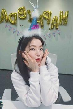 South Korean Girls, Korean Girl Groups, Red Velvet Photoshoot, Bae, Red Valvet, Red Velvet Irene, Velvet Fashion, Seulgi, Coral Pink