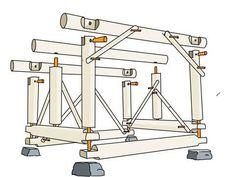 RUNDSTOKKER: Til konstruksjonen ble det kjøpt inn 28 mm rundstokk som ble kappet opp til plugger.