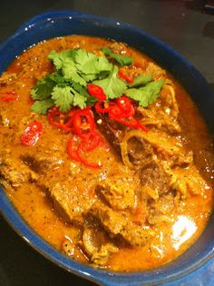 Lamb Korma-slow cooker, love lamb super into indian so may be good? Crockpot Recipes, Cooking Recipes, Comida India, Crock Pot Slow Cooker, Lamb Korma Recipe Slow Cooker, Indian Slow Cooker Recipes, Crockpot Lamb, Slow Cooker Curry, Recipes