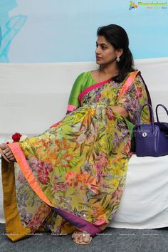 Simple Sarees, Trendy Sarees, Fancy Sarees, Floral Print Sarees, Kalamkari Dresses, Saree Trends, Designer Blouse Patterns, Indian Beauty Saree, Indian Sarees