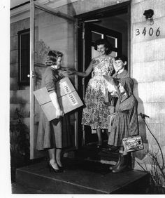 An enumerator visits a Forestville, MD, family during the 1960 Census. Learn more: http://www.census.gov/…/through_the_deca…/overview/1960.html