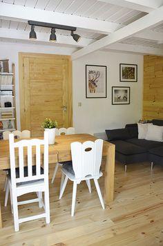 Erdei Kisház projekt teljesítve | juditu Wooden House, Scandinavian Interior, Wood Design, Dining Table, Furniture, Home Decor, Decoration Home, Room Decor, Dinner Table