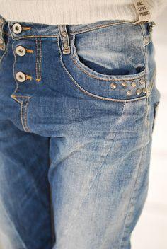 Leuk merk Please! Heb er een broek van en het zit heerlijk!!