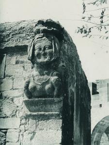 Carcassonne, Statue, European Travel, Dame, To Go, Lion Sculpture, Photos, Black N White, Cities