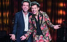 263 mentions J'aime, 2 commentaires – HARRY STYLES UPDATES (@harrydailyupdates) sur Instagram : « Harry and Nick Grimshaw for BBC. »