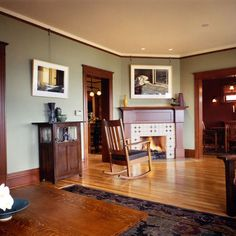 Living Room Paint colors paint scheme with dark Oak Trim Craftsman Style Interiors, Craftsman Living Rooms, Craftsman Interior, Interior Trim, Craftsman Houses, Interior Design, Craftsman Furniture, Interior Door, Craftsman Trim