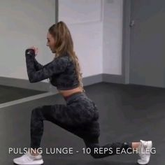 A great activating workout for your legs & glutes you can perform with the ease Home Exercise Program, Home Exercise Routines, Workout Programs, At Home Workouts, Gym Workouts, Workout Exercises, Insanity Workout, Best Cardio Workout, Band Workout