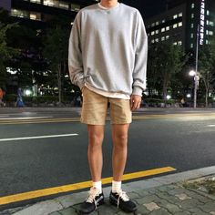 Classy Outfits For Teens, Trendy Outfits, Korean Fashion Men, Mens Fashion, Japan Outfit, Teen Boy Fashion, Grunge, Mens Clothing Styles, Everyday Outfits