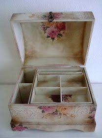 Decoupage Vintage, Decoupage Wood, Shabby Chic Crafts, Tea Box, Pretty Box, Antique Paint, Craft Bags, Wood Creations, Box Art