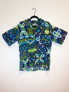 3eeebf2f vintage 60s / barkcloth / tropical tribal print / blue hawaiian shirt / by  Pomare Tahiti