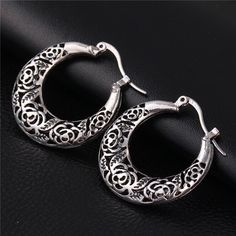 """FREE!! Vintage Hollow Out Earrings """"FLOWERS"""". You only have to pay for shipping. https://goodfeelingstuff.com/collections/earrings?page=2"""