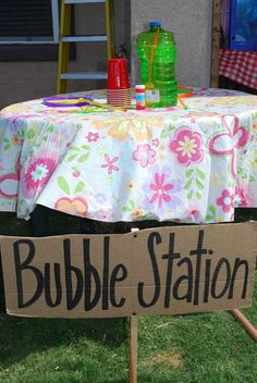 Bubble station for picnic