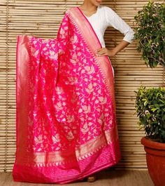 Fuchsia Banarasi Silk Georgette Dupatta Punjabi Fashion, Indian Fashion, Women's Fashion, Indian Bridal Outfits, Indian Dresses, Indian Attire, Indian Wear, Silk Dupatta, Indian Couture