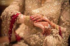 Pakistani Wedding Outfits, Pakistani Bridal Dresses, Indian Bridal Wear, Indian Wedding Photos, Wedding Pics, Bridal Bangles, Bridal Jewellery, Bridal Poses, Groom Looks