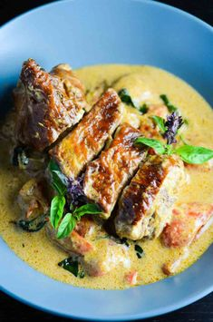 #Thai Red Duck Curry [roast duck (recipe not incl.) + Thai red curry paste (homemade, recipe incl.*), Thai basil, cocnut milk, capsicium] *Red Thai Curry Paste: chillies, garlic, shallot, ginger, white pepper, shrimp powder, cumin, lemongrass.