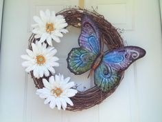 Spring Wreath / Spring White Daisy Wreath / by imaproudcrafter